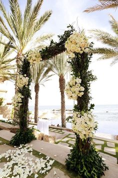 wedding ceremony idea; photo: Chris & Lynn Photographers