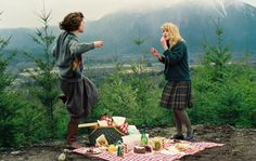 Lara Flynn Boyle and Sheryl Lee on the set of Twin Peaks