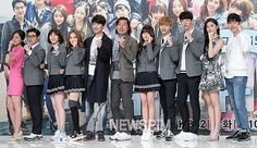 Konferensi Pers Drama Who Are You – School 2015 Yongin, Who Are You School 2015, Drama School, Joo Hyuk, Yook Sungjae, Make You Cry, Photo Poses, It Cast, Kpop