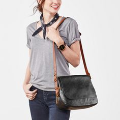 Style made simple—Harper is your sleek shoulder companion with convenient interior pockets and an adjustable crossbody strap. Fashionably organized, indeed.*Will be shipped separately from other products