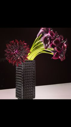 Jeff Leatham - lilies and dalhia
