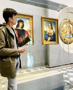 Explore the world's greatest Renaissance art on our expert guided Florence Uffizi Gallery Tour. The David Statue, Florence Renaissance, Pope Leo X, Florence Tours, Day Trips From Rome, Rome Tours, Italian Paintings, Renaissance Artists, Caravaggio