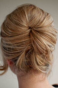 Beautiful Relaxed Beehive Updo - Easy Beehive Hairstyle ...