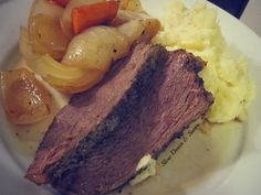 Pot Roast is easy and perfect for this cold weather. What a title, huh? #potroast #recipe #comfortfood