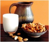 The main ingredients of this type of almond milk are: almonds, pure water, sea salt, Vitamins A, C, D, B12, B2, D2, E, iron, magnesium.