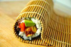 Futomaki Sushi Rolls – A Lesson from Grandma Toshiko Sushi Recipes, Seafood Recipes, Cooking Recipes, Healthy Recipes, Yummy Eats, Yummy Food, Easy Asian Recipes, Korean Recipes, Recipes