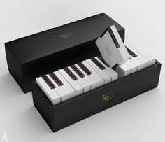 Design symphony: creative gift packaging for piano cakes in terms of produ . - Design symphony: creative gift packaging for piano cakes When it comes to product design, designer - Creative Gift Packaging, Cake Packaging, Creative Gifts, Creative Box, Creative Design, Gift Box Packaging, Creative Artwork, Product Packaging, Creative People