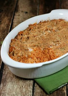 Rich, cheesy and saucy, with hearty chicken and healthy quinoa, this Chicken Parmesan Quinoa Bake takes all the flavors from your favorite Italian dish and bakes them into a hot, comfort food casserole you'll want to warm up with this Winter. Just 349 calories or 8 Weight Watchers points! www.emilybites.com
