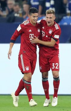 James Rodriguez of Bayern Munich celebrates with teammate Joshua. James Rodriguez, Football Boys, Soccer Boys, Bayern Munich Wallpapers, Fc Bayern Munich, Cool Hairstyles For Men, European Football, Football Players, Athlete