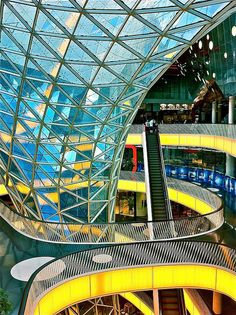 MyZeil, Frankfurt, Germany. by Massimiliano Fuksas Architetto. it's a shopping mall that looks like it's straight out of Speed Racer