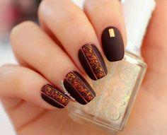 Burgundy autumn stripe nailart