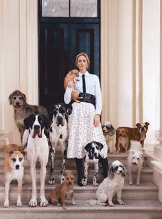 """Emily Blunt poses for the January 2019 cover of Harper's Bazaar magazine to promote """"Mary Poppins."""" Photo by Richard Phibbs. Pet Fashion, Fashion Shoot, Editorial Fashion, Dog Photography, Editorial Photography, Fashion Photography, Magazin Covers, Go Fly A Kite, Harpers Bazaar"""