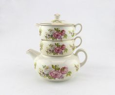 Perfect for a morning. A teapot set which includes a one cup size teapot, a cream jug and a handled sugar bowl.