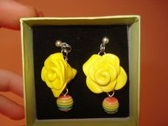 Orecchini rose gialle