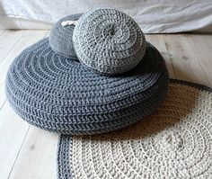 Crochet -  love the grey colours Poef