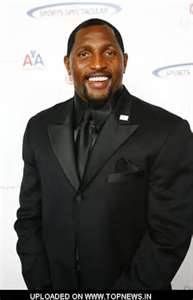 Ray Lewis at Annual Cedars-Sinai Sports Spectacular Awards Dinner . Ed Reed, Nfl Baltimore Ravens, Ray Lewis, Celebs, Celebrities, Football Players, Dapper, Eye Candy, Athlete