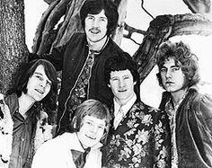 MAGE MUSIC: 1967 A young John Bonham and Robert Plant with Band of Joy
