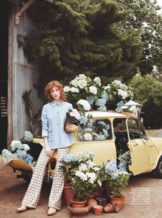 garden editorial - Photographer Corrie Bond captures 'In Bloom', a glam garden editorial that is lensed for the pages of Marie Claire Australia. Foto Fashion, Fashion Shoot, Editorial Fashion, Trendy Fashion, Spring Fashion, Fashion Models, Womens Fashion, Moda Australiana, Editorial Photography