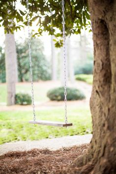 How to Make a Classic Tree Swing : Decorating : Home & Garden Television