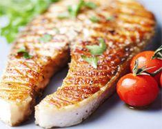 El Salmón a la plancha es otra de esas recetas que de forma sencilla nos permite disfrutar de todo el sabor de este nutritivo pescado.