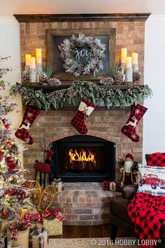 Elegant Christmas Fireplace Decor with Warm and Rustic Accent Pieces - 13 Wintry. - Elegant Christmas Fireplace Decor with Warm and Rustic Accent Pieces – 13 Wintry Christmas Firepl - Christmas Mantels, Noel Christmas, Country Christmas, Christmas Wreaths, Fire Place Christmas Decor, Christmas Movies, Vintage Christmas, Christmas Music, Christmas 2019