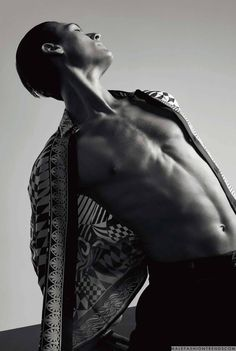 Germain Louvet y Hugo Marchand para Numéro Homme por Jacob Sutton Germain Louvet, High Fashion, Mens Fashion, Men Photoshoot, Male Fashion Trends, Editorial Photography, Editorial Fashion, Posing Ideas, Poses