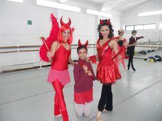Silvia Olivares, Rebe y Yania Noyola