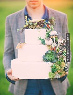 So good - Woodsy wedding cake | CHECK OUT MORE IDEAS AT WEDDINGPINS.NET | #weddings #rustic #rusticwedding #rusticweddings #weddingplanning #coolideas #events #forweddings #vintage #romance #beauty #planners #weddingdecor #vintagewedding #eventplanners #weddingornaments #weddingcake #brides #grooms #weddinginvitations