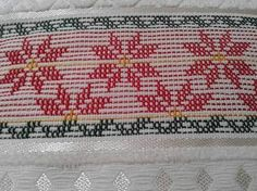 Image result for ponto oitinho em vagonite Swedish Embroidery, Hardanger Embroidery, Embroidery Stitches, Cat Cross Stitches, Cross Stitch Kits, Huck Towels, Swedish Weaving Patterns, Monks Cloth, Hello Kitty Wallpaper