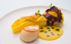 Luxurant Dublin brings you the Top-Ten Fine Dining Restaurants in Dublin with Irish and International Cuisine for a Real Luxury Experience. Restaurants In Dublin, Tasting Menu, Chapter One, Fine Dining, Pasta Recipes, Seafood, Grilling, Website Link, Ethnic Recipes
