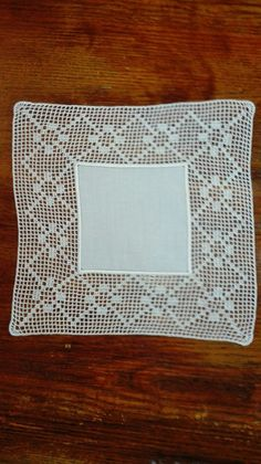 Filet Crochet, Crochet Lace, Crochet Boarders, Crochet Tablecloth, Cross Stitch Designs, Doilies, Diy And Crafts, Embroidery, Blanket