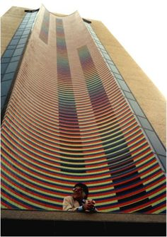 Valencia, Edo Carabobo Torre Stratos Obra de Carlos Cruz Diez, orgullo Venezolano.