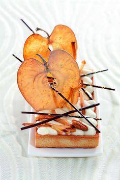 Je me demande si ce n'est pas le prochain IPhone de Apple ! ;) (De Philippe Bertrand et Martin Diez) > Photo à aimer et à partager ! ;) . L'art de dresser et présenter une assiette comme un chef... http://www.facebook.com/VisionsGourmandes . #gastronomie #gastronomy #chef #recette #cuisine #food #visionsgourmandes #dressage #assiette #art #photo #design #foodstyle #foodart #recipes #designculinaire #culinaire #artculinaire #culinaryart #foodstylism #foodstyling)