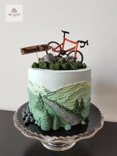 Bike & mountain cake I thought about what brought about everyone to get some sort Bicycle Cake, Bike Cakes, Pretty Cakes, Beautiful Cakes, Amazing Cakes, Mountain Bike Cake, Mountain Biking, Sport Cakes, Fancy Cakes