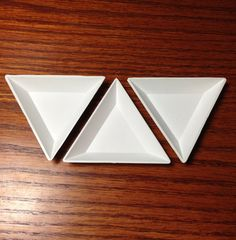 Tri-tray white plastic triangular beading trays, set of 3 Beading Tools, Plastic Trays, Jewelry Design, Unique Jewelry, Storage Containers, Shapes, Beads, Sorting, Compact