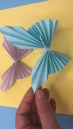 Super easy paper butterflies Now with any printable worksheet and lesson plan Learn how to make paper butterflies They would look great as a butterfly greeting card hair piece wall decor part or a collage or a paper mobile So many cute ways to use them Paper Crafts Origami, Paper Crafts For Kids, Origami Easy, Diy Paper, Craft With Paper, Paper Crafting, Paper Butterflies, Paper Flowers Diy, Flower Crafts