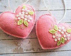Cadeau voor Valentijnsdag decor, roze hart ornament, sieraad hart gevoeld, Valentine decoraties, Floral heart sieraad, Valentijnsdag geschenk
