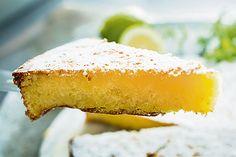 Torta Caprese al limone e cioccolato bianco: ricetta e preparazione della rivisitazione più GUSTOSA del tipico dolce della tradizione Campana!