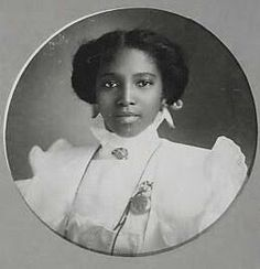 American Women: Photo Archives -- African American Women > This lovely face looks just like one of my daughter's best friends. Vintage Photographs, Vintage Photos, Old Photos, Antique Photos, Vintage Black Glamour, Vintage Beauty, Vintage Glam, Vintage Hair, Women In History