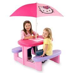 Sehr stabiler Hello Kitty-Picknicktisch mit 2 Bänken für bis zu 4  Kinder.     Der Sonnenschirm in der Mitte des Tisches ist mit einem  Hello Kitty Motiv gestaltet und verstellbar bis zu einer maximalen  Höhe von 1,80 m.    Mehr Infos unter:  http://www.mytoys.de/Smoby-Hello-Kitty-Picknick-Tisch-mit-Sonnenschirm/Gartenm%C3%B6bel/Spielen-im-Freien/KID/de-mt.to.ca02.17.12/1966557