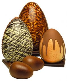 Fashion Chocolate Belga, Chocolate Men, Chocolate Sweets, Easter Chocolate, Chocolate Lovers, Chocolate Strawberry Cake, Chocolate Pancakes, Chocolate Covered Strawberries, Make Your Own Chocolate