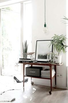 Bar cart as turn table stand