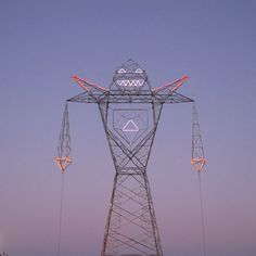 """""""COLOSSUS,"""" Doma's 45-meter tall animated electrical tower in Buenos Aires"""
