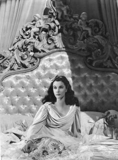 """Vivien Leigh won two Academy Awards for Best Actress for her performances as """"Southern belles"""" Scarlett O'Hara in Gone with the Wind and Blanche DuBois in the film version of A Streetcar Named Desire Old Hollywood Glamour, Golden Age Of Hollywood, Vintage Hollywood, Hollywood Stars, Classic Hollywood, Hollywood Regency, Old Hollywood Movies, Hollywood Sign, Vintage Glamour"""