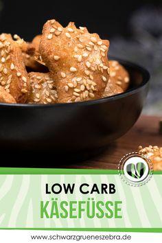 Diese deftigen Käsecracker sind Low Carb, glutenfrei und mega lecker. Das Rezept ist einfach selbst zu machen und schmeckt einfach mega. Snacks, Keto, Breakfast, Desserts, Recipes, Food, Glutenfree, Clean Foods, Treats