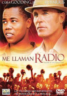 """Ver película Me llaman Radio online latino 2003 gratis VK completa HD sin cortes descargar audio español latino online. Género: Drama Sinopsis: """"Me llaman Radio online latino 2003"""". """"Mi nombre es Radio"""". """"Radio"""" es el apodo de un chico solitario y un poco retrasado al que co"""