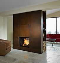 Contemporary double-sided fireplace (wood-burning closed hearth)