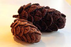 crochet pine cone pattern - by yarnfreak