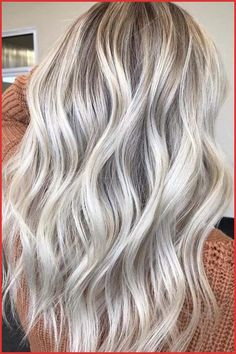 Best Balayage Blonde Highlights with Dark Roots in 2018 Best and Sensational trends of balayage blonde hair colors and highlights with dark or shadow roots to wear in Bright Blonde Hair, Blonde Hair Shades, Platinum Blonde Hair, Blonde Color, Summer Blonde Hair, Summer Hair, Blonde Hair With Dark Roots, Dark Roots Blonde Hair Balayage, Cool Ash Blonde