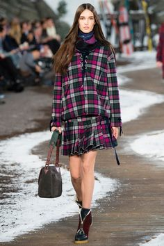 Tommy Hilfiger NYFW Fall 2014 // How to hand render plaid - http://www.universityoffashion.com/lessons/rendering-plaid-no-video/